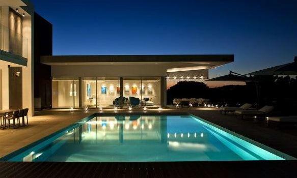 conciergerie priv e de luxe et concierge accompagnateur luxury escort rent a gentleman gentleman. Black Bedroom Furniture Sets. Home Design Ideas